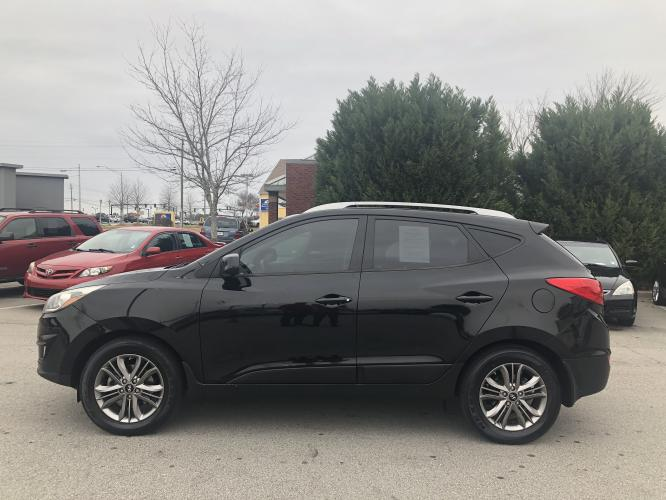 2014 Hyundai Tucson GLS AWD (KM8JUCAGXEU) with an 2.4L L4 DOHC 16V engine, 6-Speed Automatic transmission, located at 4247 Buford Drive NE, Buford, GA, 30518, (678) 450-1000, 34.086857, -83.993004 - Photo #3