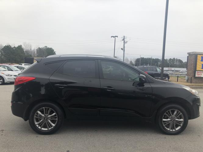 2014 Hyundai Tucson GLS AWD (KM8JUCAGXEU) with an 2.4L L4 DOHC 16V engine, 6-Speed Automatic transmission, located at 4247 Buford Drive NE, Buford, GA, 30518, (678) 450-1000, 34.086857, -83.993004 - Photo #7