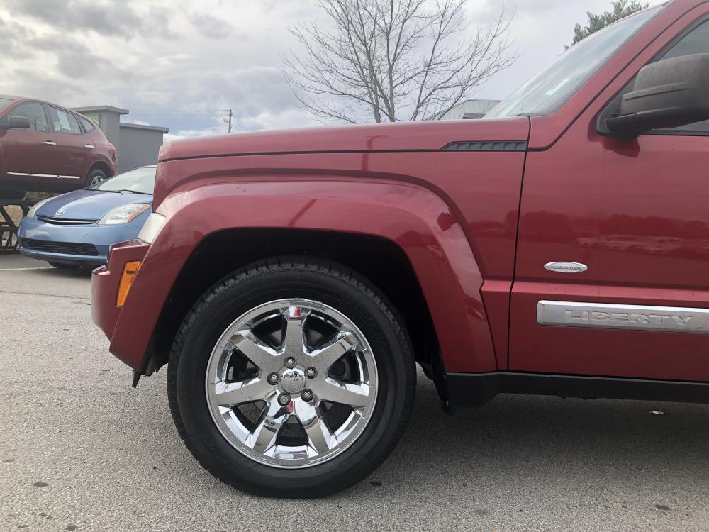 2012 Jeep Liberty Sport 4WD (1C4PJMAK9CW) with an 3.7L V6 SOHC 12V engine, 4-Speed Automatic transmission, located at 4247 Buford Drive NE, Buford, GA, 30518, (678) 450-1000, 34.086857, -83.993004 - Photo #6