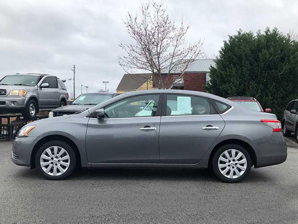 2015 Nissan Sentra S 6AT (3N1AB7AP9FY) with an 1.8L L4 SFI DOHC 16V engine, 6-Speed Automatic transmission, located at 4247 Buford Drive NE, Buford, GA, 30518, (678) 450-1000, 34.086857, -83.993004 - Photo #2