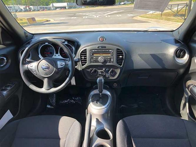 2013 Nissan Juke S FWD (JN8AF5MR1DT) with an 1.6L L4 DOHC 16V engine, Continuously Variable Transmission transmission, located at 4247 Buford Drive NE, Buford, GA, 30518, (678) 450-1000, 34.086857, -83.993004 - Photo #6