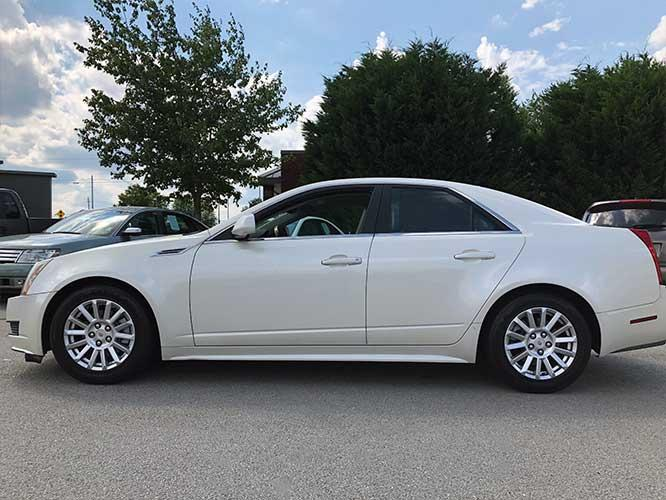2010 Cadillac CTS 3.0L Luxury (1G6DE5EG8A0) with an 3.0L V6 DOHC 24V engine, located at 4247 Buford Drive NE, Buford, GA, 30518, (678) 450-1000, 34.086857, -83.993004 - Photo #2