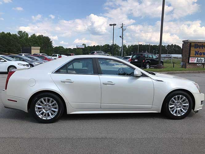 2010 Cadillac CTS 3.0L Luxury (1G6DE5EG8A0) with an 3.0L V6 DOHC 24V engine, located at 4247 Buford Drive NE, Buford, GA, 30518, (678) 450-1000, 34.086857, -83.993004 - Photo #4