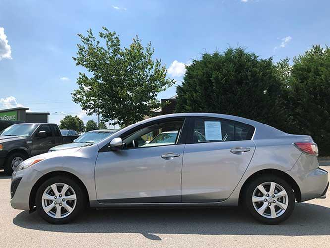 2011 Mazda MAZDA3 i Touring 4-Door (JM1BL1VF3B1) with an 2.0L L4 DOHC 16V engine, located at 4247 Buford Drive NE, Buford, GA, 30518, (678) 450-1000, 34.086857, -83.993004 - Photo #2