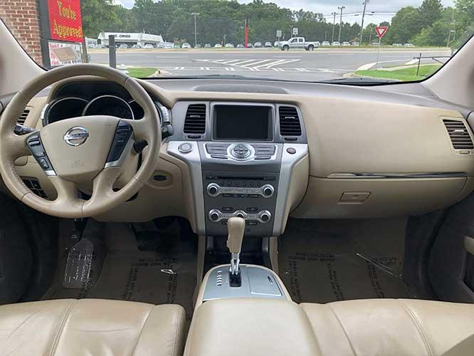 2011 Nissan Murano LE (JN8AZ1MU6BW) with an 3.5L V6 DOHC 24V engine, CVT transmission, located at 4247 Buford Drive NE, Buford, GA, 30518, (678) 450-1000, 34.086857, -83.993004 - Photo #9