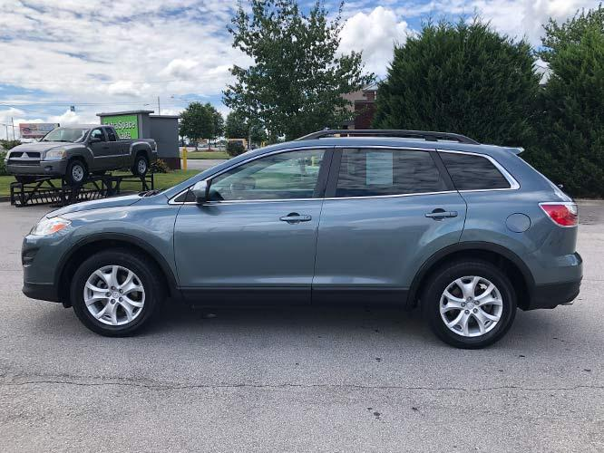 2011 Mazda CX-9 Touring AWD (JM3TB3CV1B0) with an 3.7L V6 DOHC 24V engine, 6-Speed Automatic transmission, located at 4247 Buford Drive NE, Buford, GA, 30518, (678) 450-1000, 34.086857, -83.993004 - Photo #3