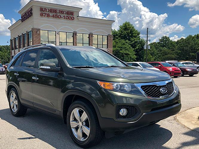 2013 Kia Sorento EX 2WD (5XYKU4A65DG) with an 2.4L L4 DOHC 16V engine, 6-Speed Automatic transmission, located at 4247 Buford Drive NE, Buford, GA, 30518, (678) 450-1000, 34.086857, -83.993004 - Photo #0