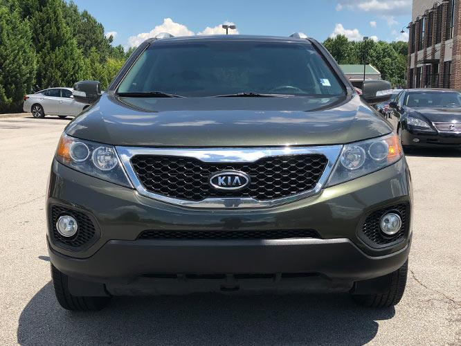 2013 Kia Sorento EX 2WD (5XYKU4A65DG) with an 2.4L L4 DOHC 16V engine, 6-Speed Automatic transmission, located at 4247 Buford Drive NE, Buford, GA, 30518, (678) 450-1000, 34.086857, -83.993004 - Photo #1