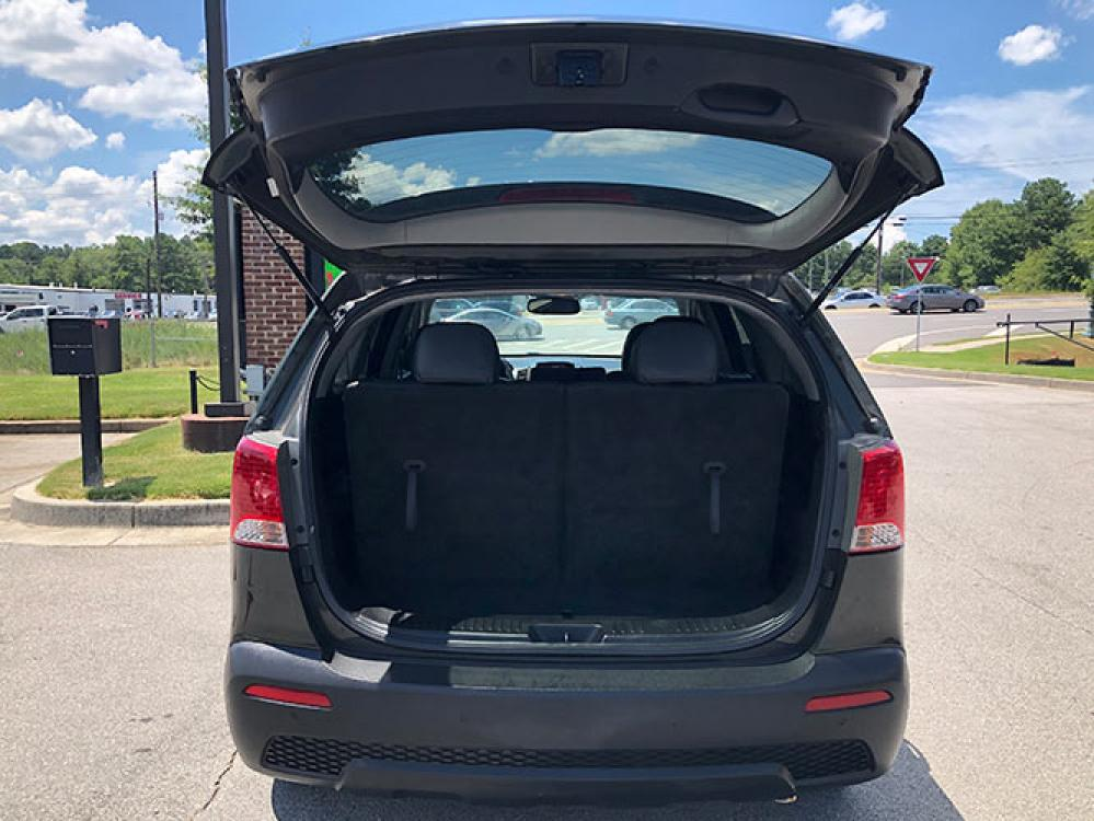 2013 Kia Sorento EX 2WD (5XYKU4A65DG) with an 2.4L L4 DOHC 16V engine, 6-Speed Automatic transmission, located at 4247 Buford Drive NE, Buford, GA, 30518, (678) 450-1000, 34.086857, -83.993004 - Photo #6