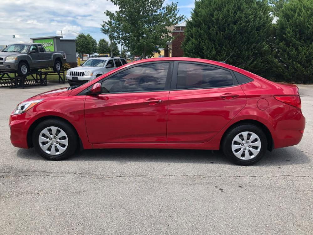 2016 Hyundai Accent SE 4-Door 6A (KMHCT4AE3GU) with an 1.6L L4 DOHC 16V engine, 6A transmission, located at 4247 Buford Drive NE, Buford, GA, 30518, (678) 450-1000, 34.086857, -83.993004 - Photo #3