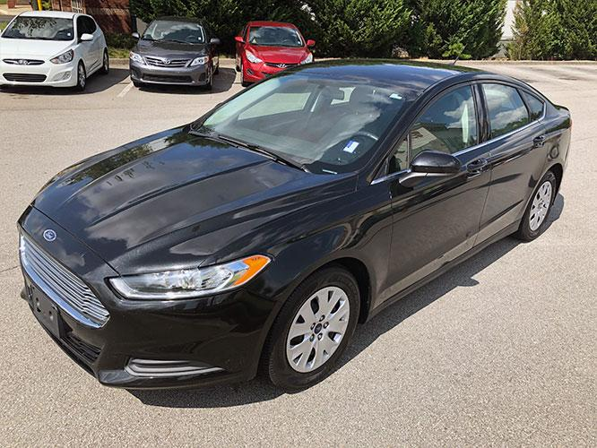 2014 Ford Fusion S (3FA6P0G74ER) with an 2.5L L4 DOHC 16V engine, located at 4247 Buford Drive NE, Buford, GA, 30518, (678) 450-1000, 34.086857, -83.993004 - Photo #2