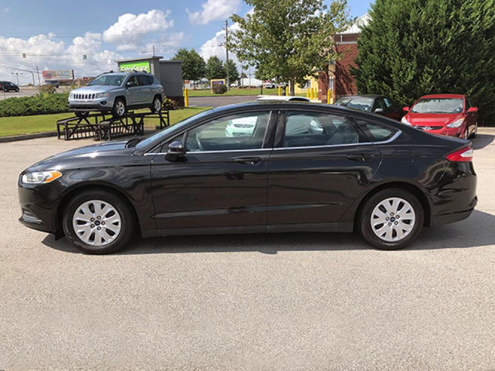 2014 Ford Fusion S (3FA6P0G74ER) with an 2.5L L4 DOHC 16V engine, located at 4247 Buford Drive NE, Buford, GA, 30518, (678) 450-1000, 34.086857, -83.993004 - Photo #3