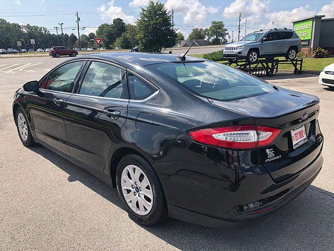 2014 Ford Fusion S (3FA6P0G74ER) with an 2.5L L4 DOHC 16V engine, located at 4247 Buford Drive NE, Buford, GA, 30518, (678) 450-1000, 34.086857, -83.993004 - Photo #4