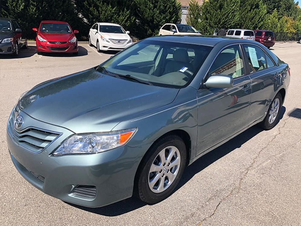 2011 Toyota Camry SE Sedan (4T1BF3EK2BU) with an 2.5L L4 DOHC 16V engine, 5-Speed Automatic transmission, located at 4247 Buford Drive NE, Buford, GA, 30518, (678) 450-1000, 34.086857, -83.993004 - Photo #2
