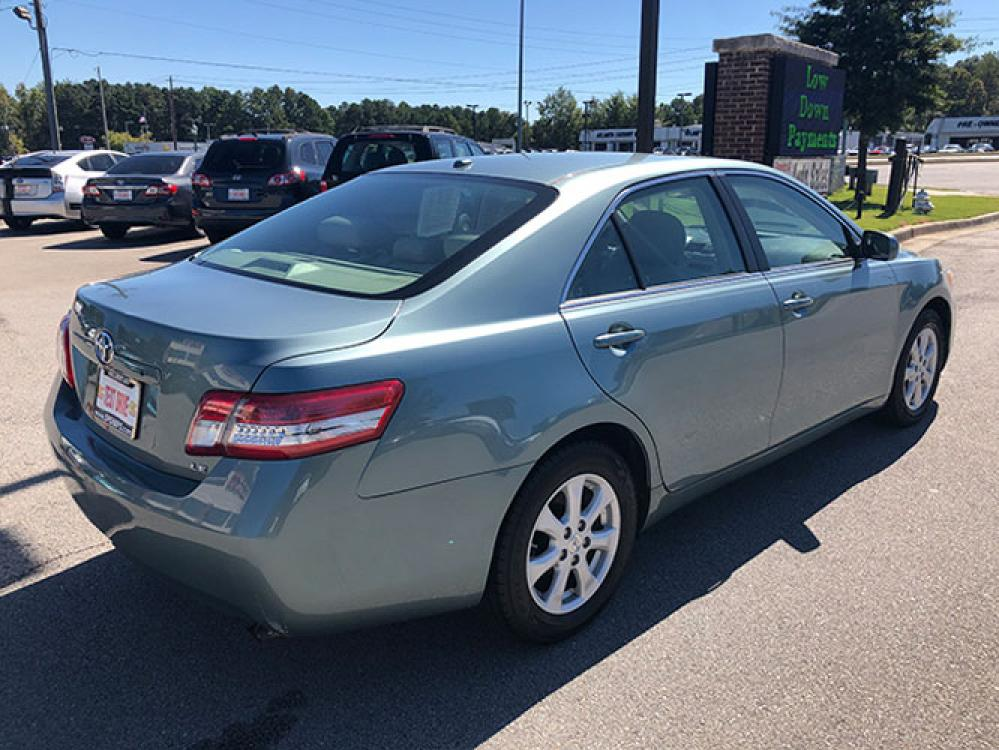 2011 Toyota Camry SE Sedan (4T1BF3EK2BU) with an 2.5L L4 DOHC 16V engine, 5-Speed Automatic transmission, located at 4247 Buford Drive NE, Buford, GA, 30518, (678) 450-1000, 34.086857, -83.993004 - Photo #6