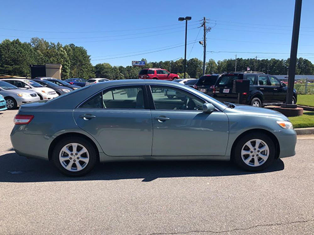 2011 Toyota Camry SE Sedan (4T1BF3EK2BU) with an 2.5L L4 DOHC 16V engine, 5-Speed Automatic transmission, located at 4247 Buford Drive NE, Buford, GA, 30518, (678) 450-1000, 34.086857, -83.993004 - Photo #7