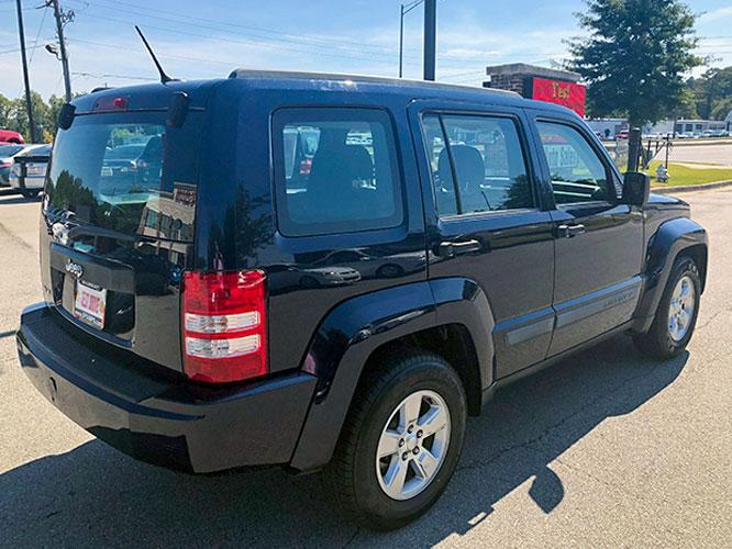 2012 Jeep Liberty Sport 4WD (1C4PJMAK7CW) with an 3.7L V6 SOHC 12V engine, 4-Speed Automatic transmission, located at 4247 Buford Drive NE, Buford, GA, 30518, (678) 450-1000, 34.086857, -83.993004 - Photo #6