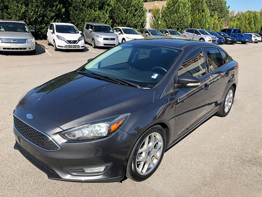 2015 Ford Focus SE Sedan (1FADP3F24FL) with an 2.0L L4 DOHC 16V engine, located at 4247 Buford Drive NE, Buford, GA, 30518, (678) 450-1000, 34.086857, -83.993004 - Photo #2