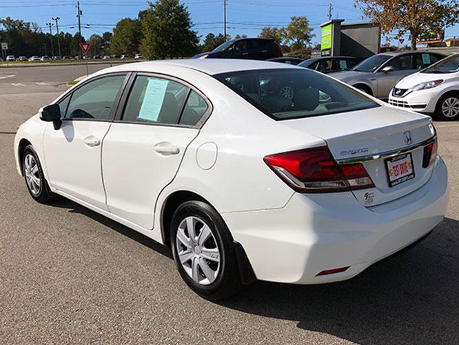 2014 Honda Civic LX Sedan CVT (19XFB2F5XEE) with an 1.8L L4 SOHC 16V engine, Continuously Variable Transmission transmission, located at 4247 Buford Drive NE, Buford, GA, 30518, (678) 450-1000, 34.086857, -83.993004 - Photo #4