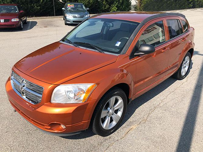 2011 Dodge Caliber Mainstreet (1B3CB3HA7BD) with an 2.0L L4 DOHC 16V engine, Continuously Variable Transmission transmission, located at 4247 Buford Drive NE, Buford, GA, 30518, (678) 450-1000, 34.086857, -83.993004 - Photo #2