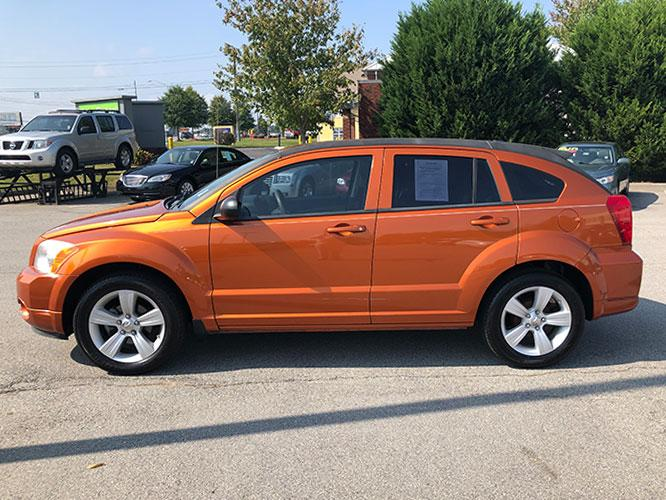 2011 Dodge Caliber Mainstreet (1B3CB3HA7BD) with an 2.0L L4 DOHC 16V engine, Continuously Variable Transmission transmission, located at 4247 Buford Drive NE, Buford, GA, 30518, (678) 450-1000, 34.086857, -83.993004 - Photo #3