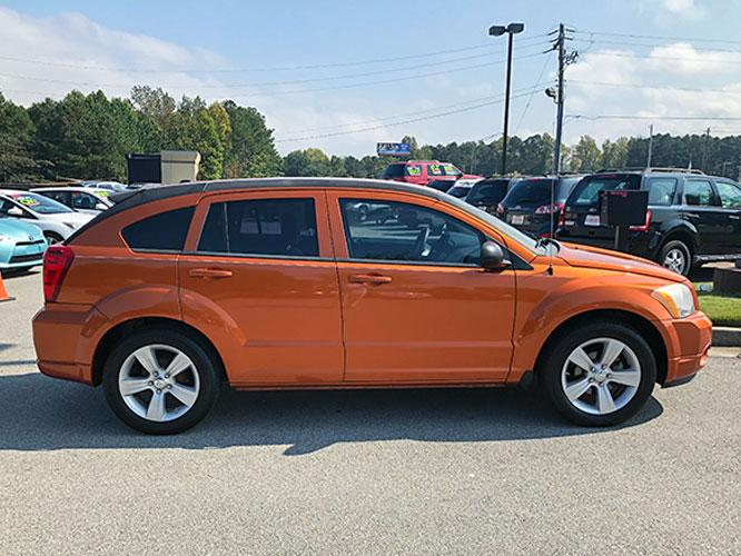 2011 Dodge Caliber Mainstreet (1B3CB3HA7BD) with an 2.0L L4 DOHC 16V engine, Continuously Variable Transmission transmission, located at 4247 Buford Drive NE, Buford, GA, 30518, (678) 450-1000, 34.086857, -83.993004 - Photo #8
