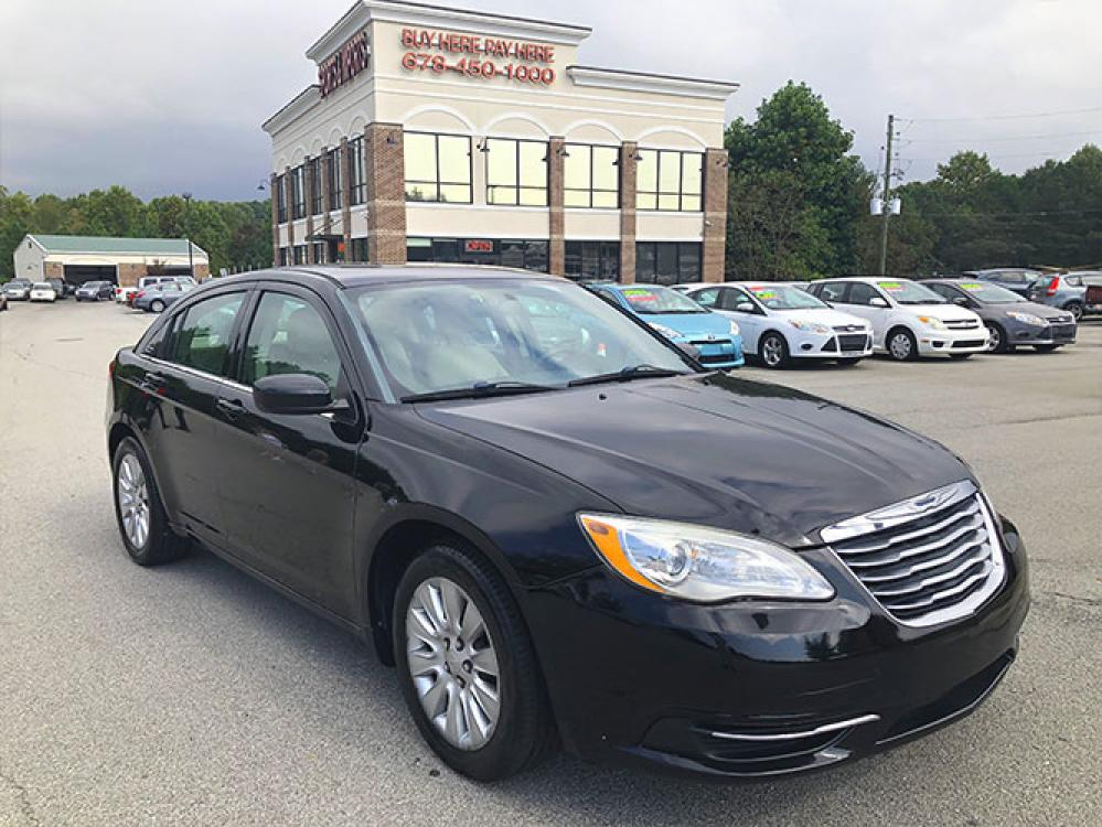 2014 Chrysler 200 LX (1C3CCBAB4EN) with an 2.4L L4 DOHC 16V engine, 6-Speed Automatic transmission, located at 4247 Buford Drive NE, Buford, GA, 30518, (678) 450-1000, 34.086857, -83.993004 - Photo #0