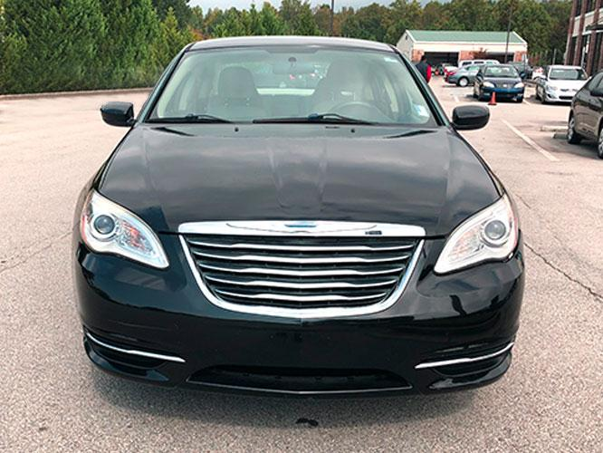 2014 Chrysler 200 LX (1C3CCBAB4EN) with an 2.4L L4 DOHC 16V engine, 6-Speed Automatic transmission, located at 4247 Buford Drive NE, Buford, GA, 30518, (678) 450-1000, 34.086857, -83.993004 - Photo #1