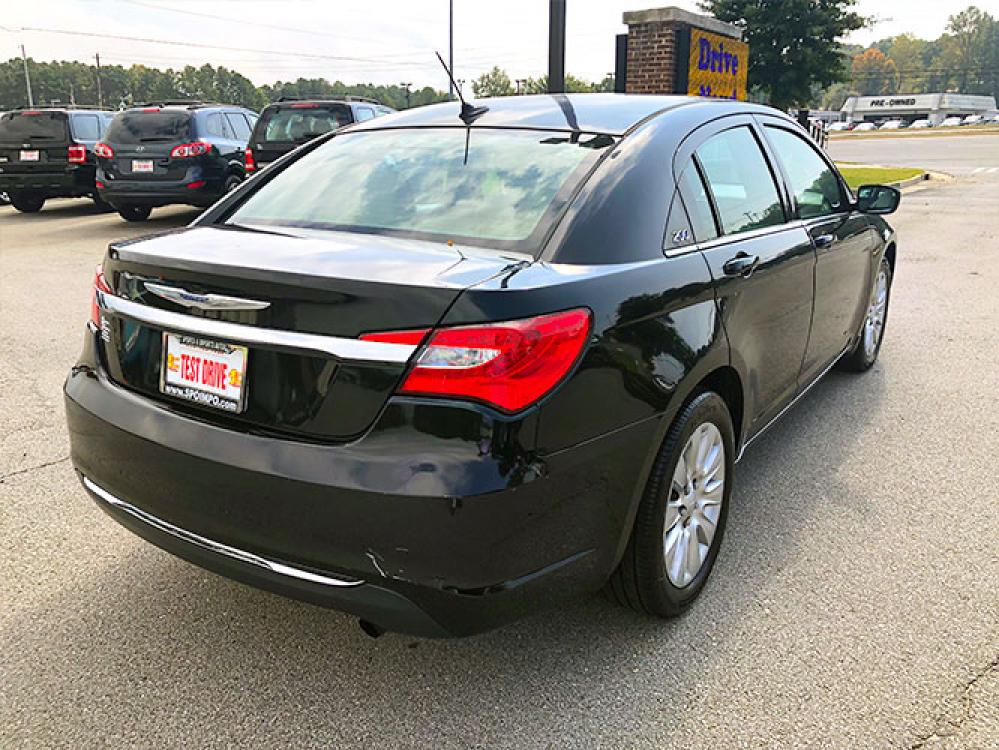 2014 Chrysler 200 LX (1C3CCBAB4EN) with an 2.4L L4 DOHC 16V engine, 6-Speed Automatic transmission, located at 4247 Buford Drive NE, Buford, GA, 30518, (678) 450-1000, 34.086857, -83.993004 - Photo #6