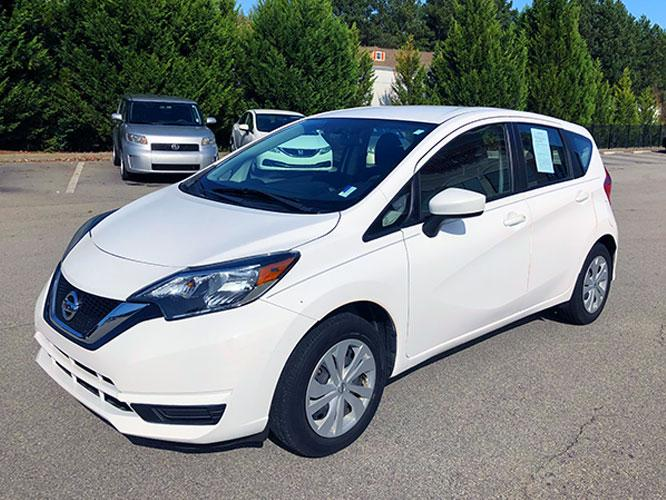 2017 Nissan Versa Note S Plus (3N1CE2CPXHL) with an 1.6L L4 DOHC 16V engine, CVT transmission, located at 4247 Buford Drive NE, Buford, GA, 30518, (678) 450-1000, 34.086857, -83.993004 - Photo #2