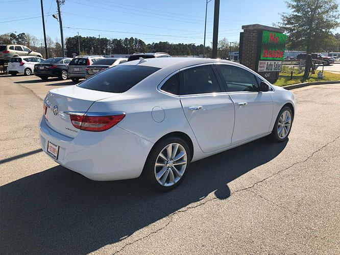 2014 Buick Verano Base (1G4PP5SKXE4) with an 2.4L L4 DOHC 16V FFV engine, 6-Speed Automatic transmission, located at 4247 Buford Drive NE, Buford, GA, 30518, (678) 450-1000, 34.086857, -83.993004 - Photo #5