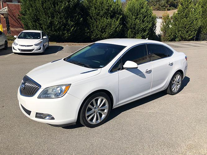 2014 Buick Verano Base (1G4PP5SKXE4) with an 2.4L L4 DOHC 16V FFV engine, 6-Speed Automatic transmission, located at 4247 Buford Drive NE, Buford, GA, 30518, (678) 450-1000, 34.086857, -83.993004 - Photo #2
