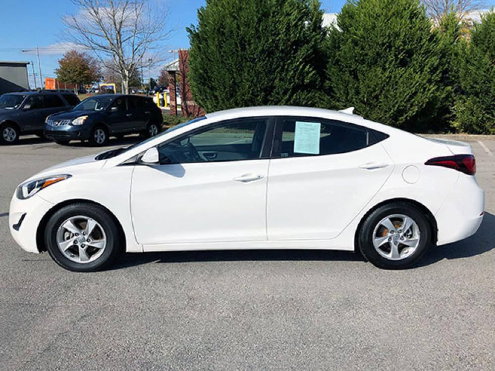 2015 Hyundai Elantra Limited (5NPDH4AE7FH) with an 1.8L L4 DOHC 16V engine, 6-Speed Automatic transmission, located at 4247 Buford Drive NE, Buford, GA, 30518, (678) 450-1000, 34.086857, -83.993004 - Photo #3