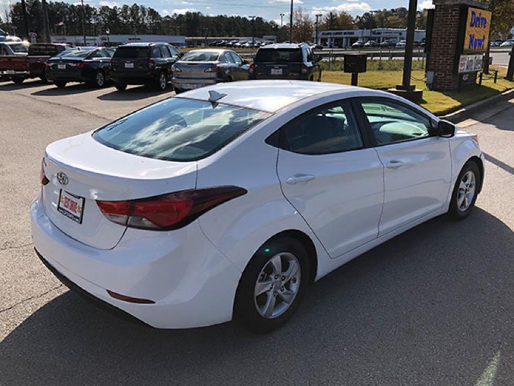 2015 Hyundai Elantra Limited (5NPDH4AE7FH) with an 1.8L L4 DOHC 16V engine, 6-Speed Automatic transmission, located at 4247 Buford Drive NE, Buford, GA, 30518, (678) 450-1000, 34.086857, -83.993004 - Photo #6
