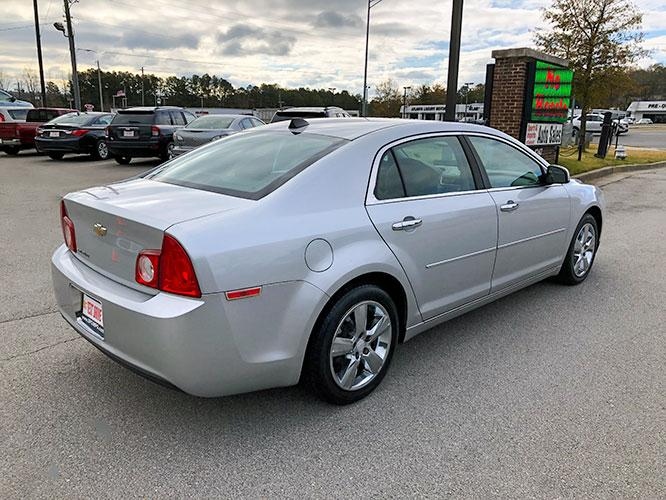 2012 Chevrolet Malibu 2LT (1G1ZD5E07CF) with an 2.4L L4 DOHC 16V engine, 6-Speed Automatic transmission, located at 4247 Buford Drive NE, Buford, GA, 30518, (678) 450-1000, 34.086857, -83.993004 - Photo #6