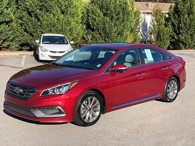 2016 Hyundai Sonata Sport (5NPE34AF6GH) with an 2.4L L4 DOHC 16V engine, 6A transmission, located at 4247 Buford Drive NE, Buford, GA, 30518, (678) 450-1000, 34.086857, -83.993004 - Photo #2