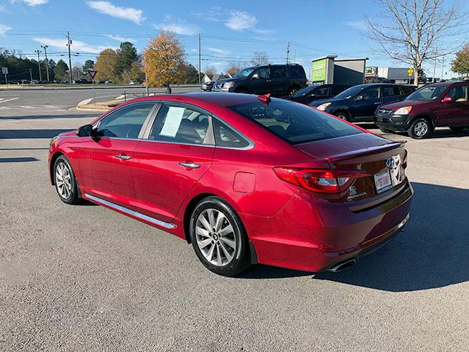 2016 Hyundai Sonata Sport (5NPE34AF6GH) with an 2.4L L4 DOHC 16V engine, 6A transmission, located at 4247 Buford Drive NE, Buford, GA, 30518, (678) 450-1000, 34.086857, -83.993004 - Photo #4