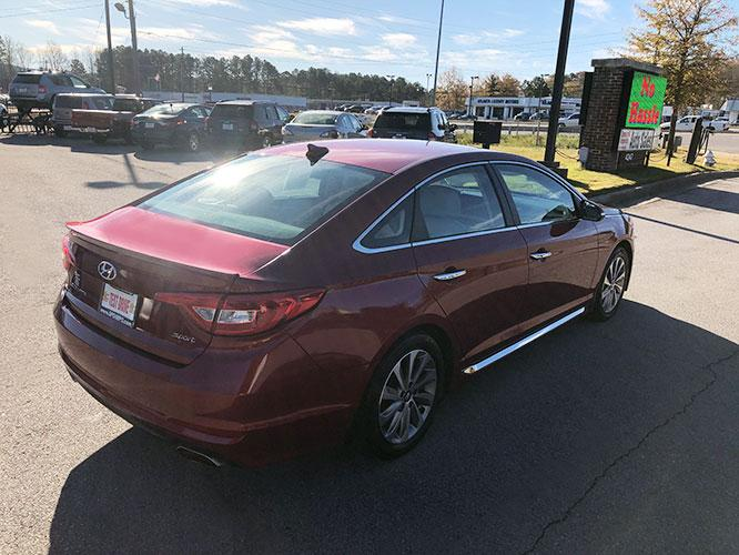 2016 Hyundai Sonata Sport (5NPE34AF6GH) with an 2.4L L4 DOHC 16V engine, 6A transmission, located at 4247 Buford Drive NE, Buford, GA, 30518, (678) 450-1000, 34.086857, -83.993004 - Photo #6