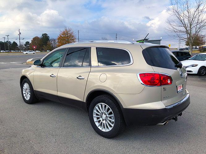 2012 Buick Enclave Leather AWD (5GAKVCED9CJ) with an 3.6L V6 DOHC 24V engine, 6-Speed Automatic Overdrive transmission, located at 4247 Buford Drive NE, Buford, GA, 30518, (678) 450-1000, 34.086857, -83.993004 - Photo #4