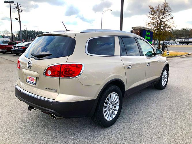 2012 Buick Enclave Leather AWD (5GAKVCED9CJ) with an 3.6L V6 DOHC 24V engine, 6-Speed Automatic Overdrive transmission, located at 4247 Buford Drive NE, Buford, GA, 30518, (678) 450-1000, 34.086857, -83.993004 - Photo #7