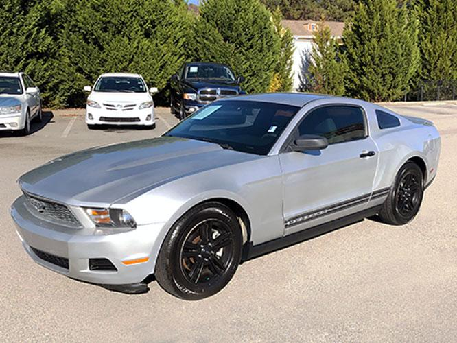 2012 Ford Mustang V6 Coupe (1ZVBP8AM7C5) with an 3.7L V6 DOHC 24V engine, located at 4247 Buford Drive NE, Buford, GA, 30518, (678) 450-1000, 34.086857, -83.993004 - Photo #2