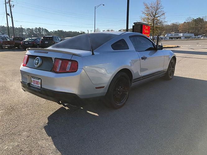 2012 Ford Mustang V6 Coupe (1ZVBP8AM7C5) with an 3.7L V6 DOHC 24V engine, located at 4247 Buford Drive NE, Buford, GA, 30518, (678) 450-1000, 34.086857, -83.993004 - Photo #6