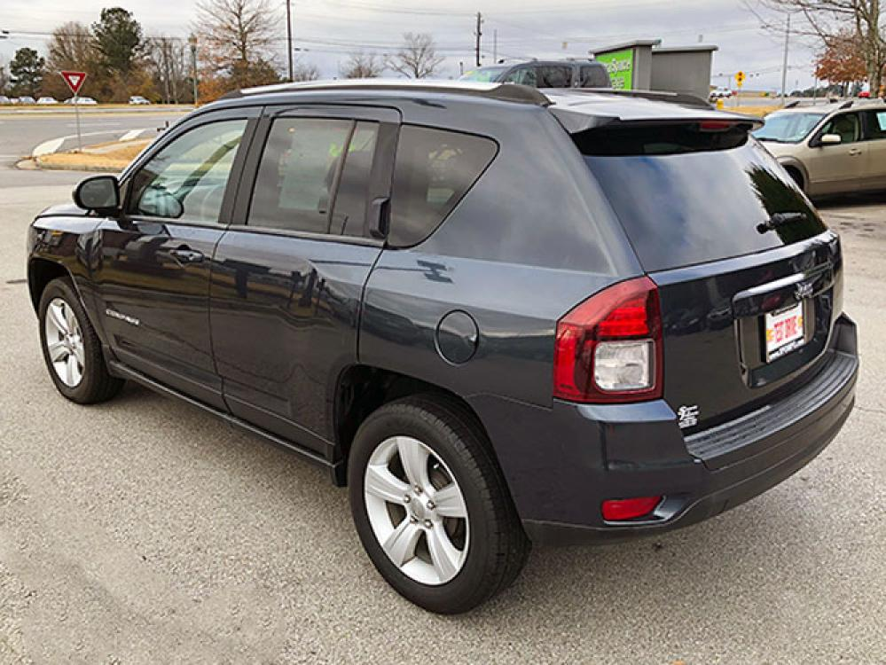 2014 Jeep Compass Sport FWD (1C4NJCBA4ED) with an 2.0L L4 DOHC 16V engine, located at 4247 Buford Drive NE, Buford, GA, 30518, (678) 450-1000, 34.086857, -83.993004 - Photo #4