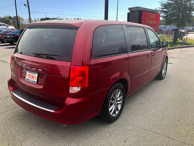 2016 Dodge Grand Caravan SE (2C4RDGBG9GR) with an 3.6L V6 DOHC 24V engine, 6A transmission, located at 4247 Buford Drive NE, Buford, GA, 30518, (678) 450-1000, 34.086857, -83.993004 - Photo #4