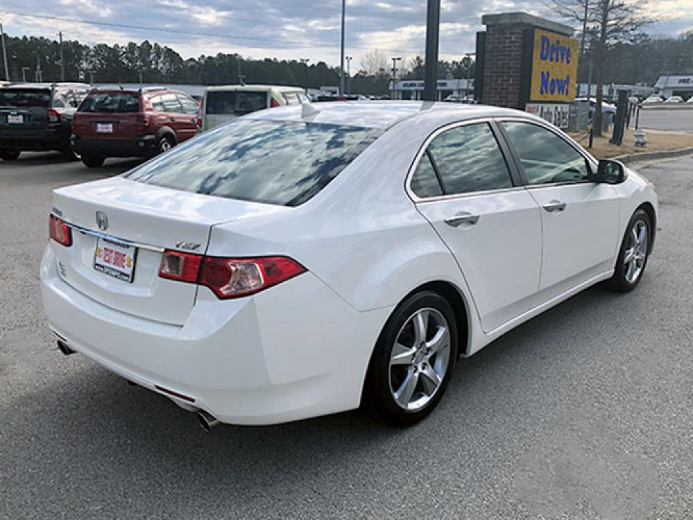 2011 Acura TSX 5-Speed AT with Tech Package (JH4CU2F68BC) with an 2.4L L4 DOHC 16V engine, 5-Speed Automatic transmission, located at 4247 Buford Drive NE, Buford, GA, 30518, (678) 450-1000, 34.086857, -83.993004 - Photo #6