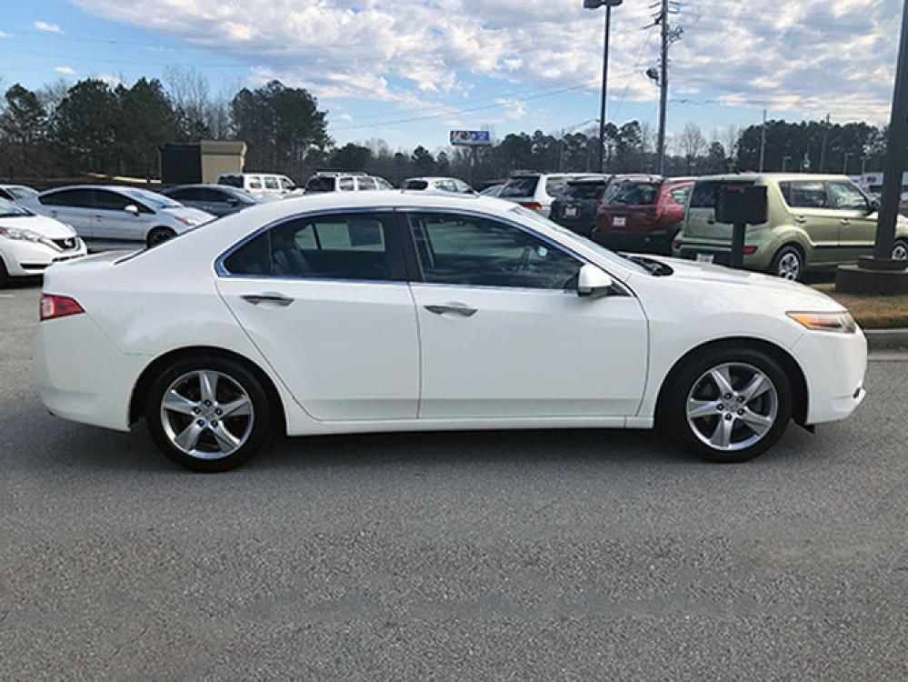 2011 Acura TSX 5-Speed AT with Tech Package (JH4CU2F68BC) with an 2.4L L4 DOHC 16V engine, 5-Speed Automatic transmission, located at 4247 Buford Drive NE, Buford, GA, 30518, (678) 450-1000, 34.086857, -83.993004 - Photo #7