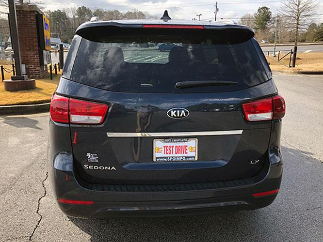 2015 Kia Sedona LX (KNDMB5C13F6) with an 3.3L V6 DOHC 24V engine, 6-Speed Automatic transmission, located at 4247 Buford Drive NE, Buford, GA, 30518, (678) 450-1000, 34.086857, -83.993004 - Photo #6