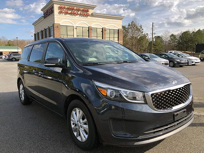 2015 Kia Sedona LX (KNDMB5C13F6) with an 3.3L V6 DOHC 24V engine, 6-Speed Automatic transmission, located at 4247 Buford Drive NE, Buford, GA, 30518, (678) 450-1000, 34.086857, -83.993004 - Photo #0