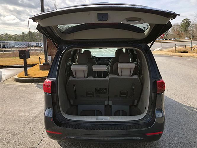 2015 Kia Sedona LX (KNDMB5C13F6) with an 3.3L V6 DOHC 24V engine, 6-Speed Automatic transmission, located at 4247 Buford Drive NE, Buford, GA, 30518, (678) 450-1000, 34.086857, -83.993004 - Photo #7