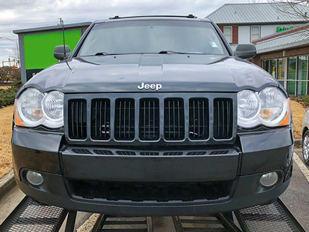2010 Jeep Grand Cherokee Laredo 2WD (1J4PS4GK2AC) with an 3.7L V6 SOHC 12V engine, 5-Speed Automatic transmission, located at 4247 Buford Drive NE, Buford, GA, 30518, (678) 450-1000, 34.086857, -83.993004 - Photo #1